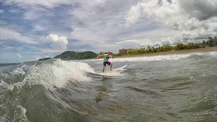 featured-surfing-in-costa-rica425